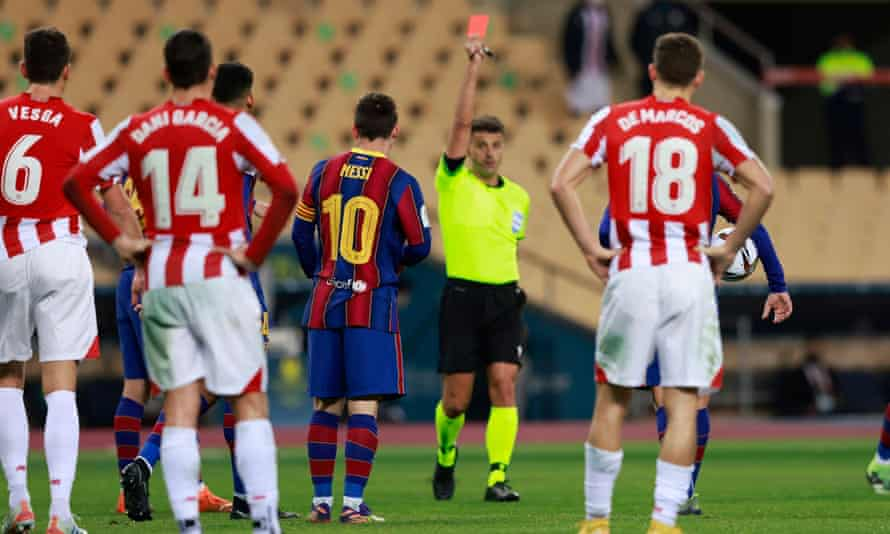 Jesús Gil Manzano shows Lionel Messi the red card in the Spanish Super Cup final.