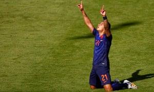 Holland 2-3 Australia