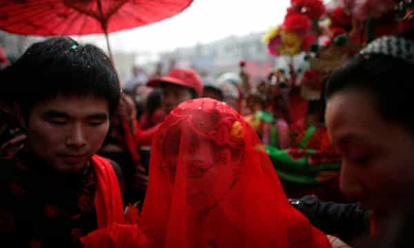 A traditional Chinese wedding in Dong'an, Henan province<br>