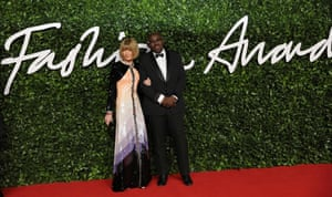Anna Wintour, who presented a special tribute to Karl Lagerfeld wearing Chanel, and Edward Enninful, who gave the model of the year award to Adut Akech
