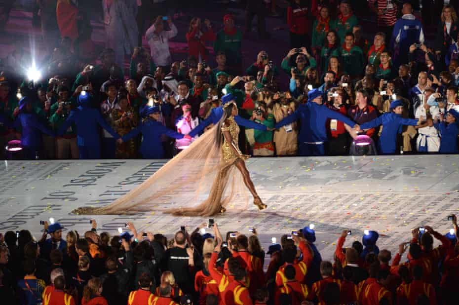 2012 Olympic Games - Closing CeremonyLONDON, ENGLAND - AUGUST 12: British supermodel Naomi Campbell during the Closing Ceremony on Day 16 of the London 2012 Olympic Games at Olympic Stadium on August 12, 2012 in London, England. (Photo by Stu Forster/Getty Images)