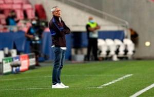 Barcelona's coach Quique Setien reacts.