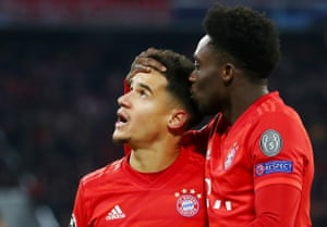 Philippe Coutinho scores Bayern's third.