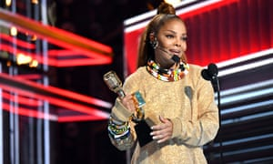 Janet Jackson accepting the Icon award.