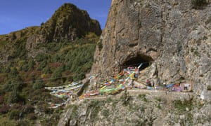 The Baishiya Karst Cave above the Jiangla riverbed, where the Denisovan jawbone was found.