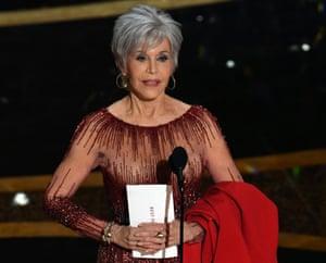 Jane Fonda presenting the best picture award.