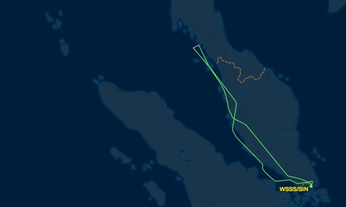 Singapore Airlines plane catches fire while making emergency landing ...