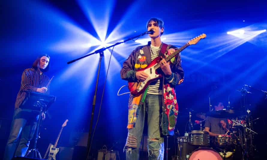 Oscar opens for Bloc Party at le Trianon