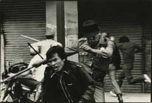 Maestros golpeados, 1984