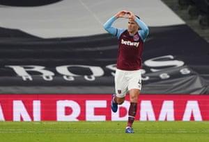 Balbuena célèbre le but de West Ham.