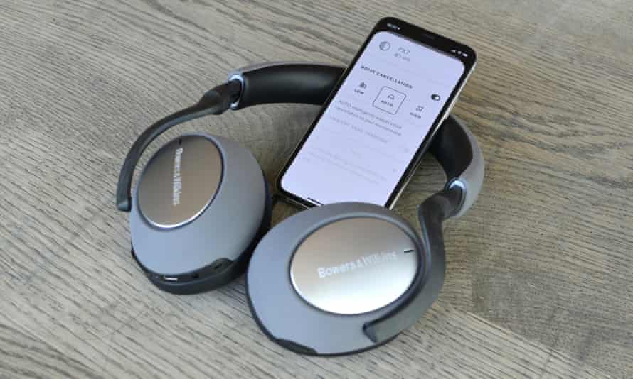 Bowers & Wilkins PX7 review