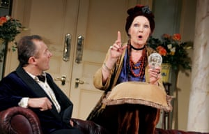 Aden Gillett as Charles Condomine and Penelope Keith as Madame Arcati at the Savoy Theatre, London, 2004