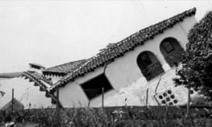 A partly sunken house after in San Clemente, California, after the severe Long Beach earthquake of 10 March 1933.