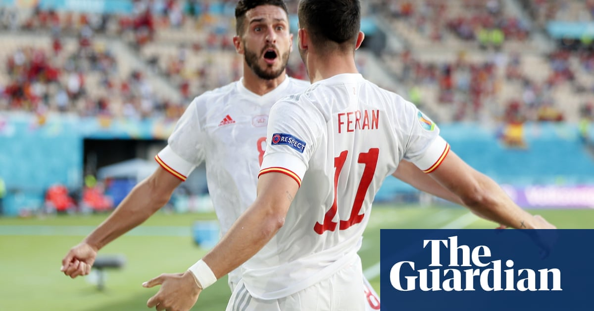 Five-star Spain thrash Slovakia to set up last-16 meeting with Croatia