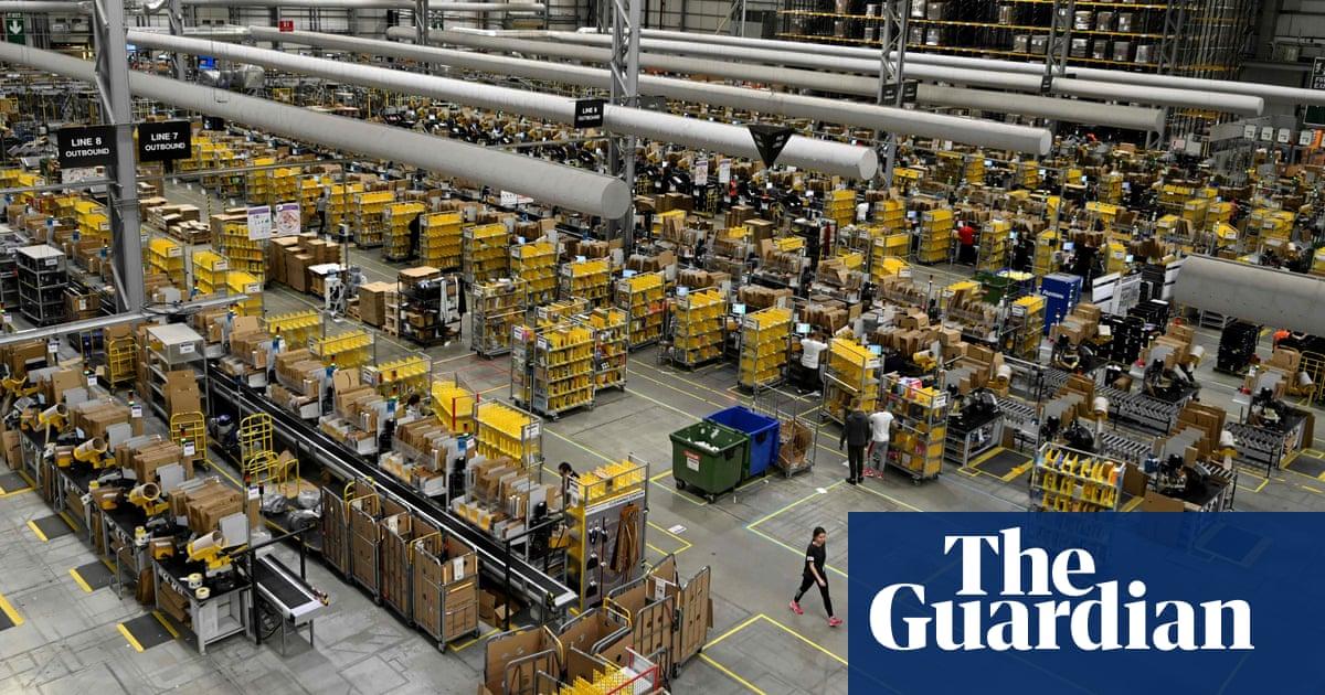 Amazon creates 10,000 UK jobs on back of online shopping boom