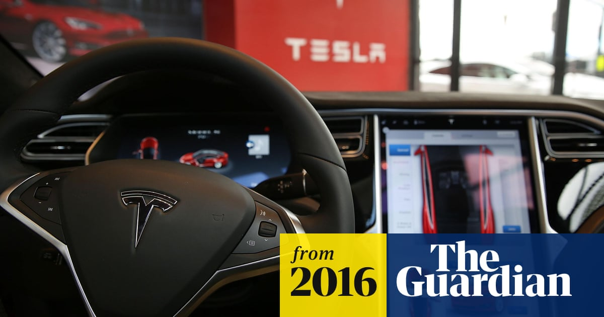 Fatal crash prompts federal investigation of Tesla self-driving cars