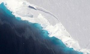 Thwaites glacier in the Antarctic
