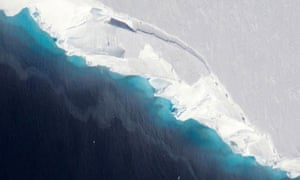 An aerial view of Thwaites glacier, which shows growth of gaps between the ice and bedrock.