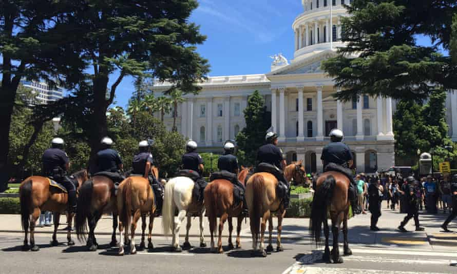 Sacramento mounted police officers at the June 2016 rally, which was organized by a neo-Nazi group.