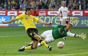 robert lewandowski, 2011'de borussia dortmund için skoru resmederken, antrenör jürgen klopp'a antrenmanda kaç gol atacağı konusunda bahis oynardı.