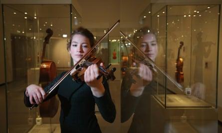 Cecilia Stinton plays a beechback Stradivarius violin