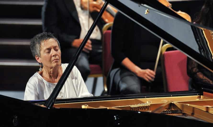 Maria João Pires performs Mozart's Piano Concerto No 23.