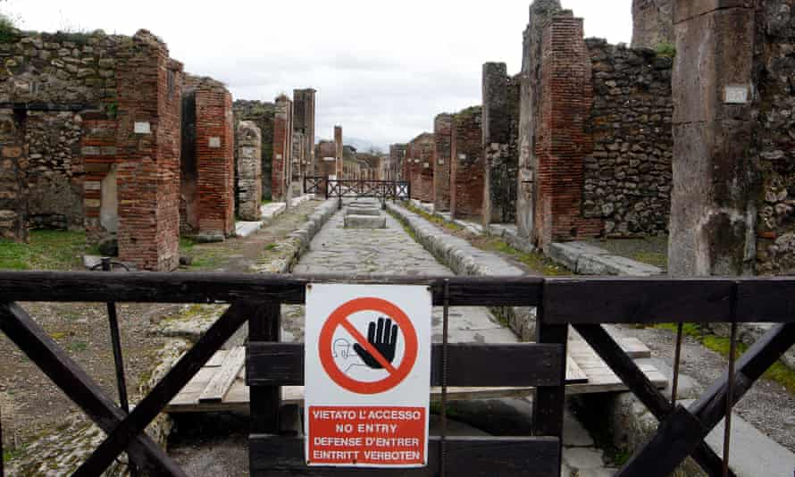 """A sign, which reads: """"No Entry"""" The European Union launched a multi-million euro restoration of the crumbling world heritage site on Wednesday, and said it would seek to protect it from the influence of local mafia."""