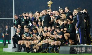 New Zealand lift the 2015 Rugby World Cup
