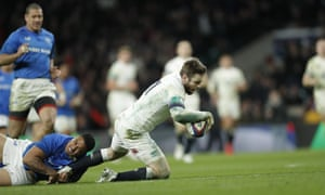 Elliot Daly stretches to score his second try during the 48-14 win against Samoa at Twickenham
