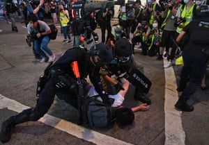 Police detain more protesters