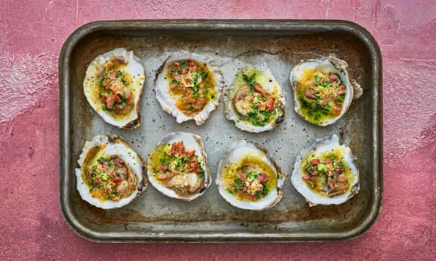 Grilled oysters in smoked bacon and wild garlic butter.