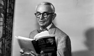dale carnegie reading his book how to win friends and influence people