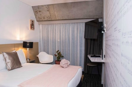 Sia Room at Song Hotel