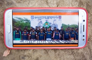 Pirates in the Sundarbans surrender to Bangladesh's Rapid Action Battalion