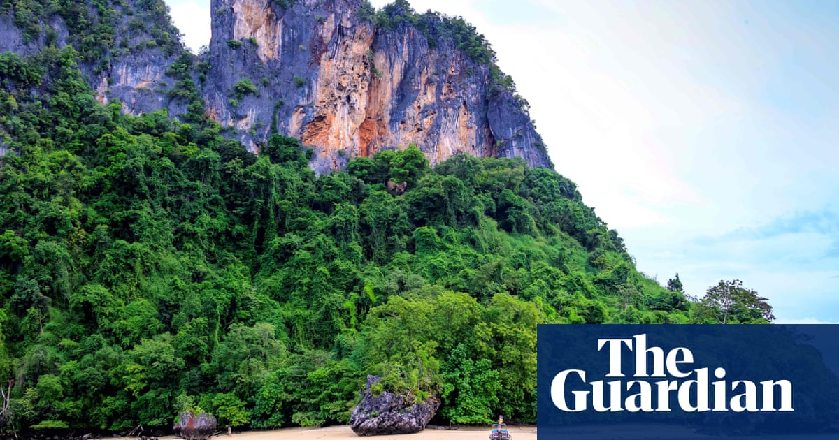 Thailand to reopen for some vaccinated tourists from November