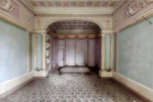 Abandoned Italian buildings photographed by Eleonora Costi.