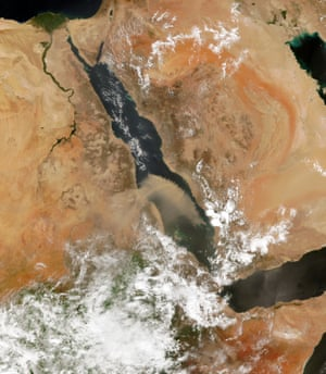 Dust Storm in the Red Sea