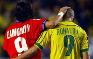 Inter teammates Iván Zamorano and Ronaldo meet on the international stage in 1998.