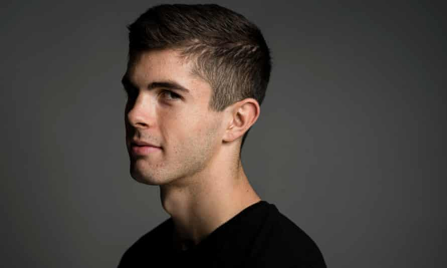 Christian Pulisic: 'I don't put anything more on my shoulders because of the team I'm with'.