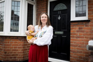Sage-femme Nissa Moger et bébé