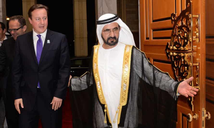 Sheikh Mohammed con el entonces primer ministro David Cameron en 2013