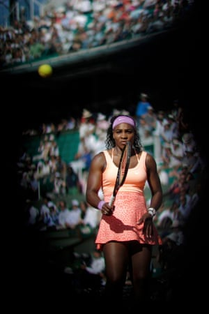 Williams struggling with momentum against Bacsinszky.