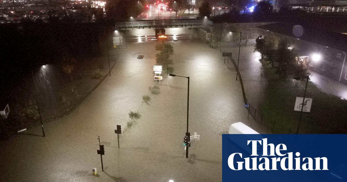 'We had to buy blankets': floods force shoppers to spend night in Meadowhall
