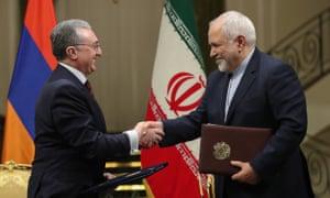 Iran's foreign minister, Mohammad Javad Zarif (right), with his Armenian counterpart, Zohrab Mnatsakanyan, in Tehran