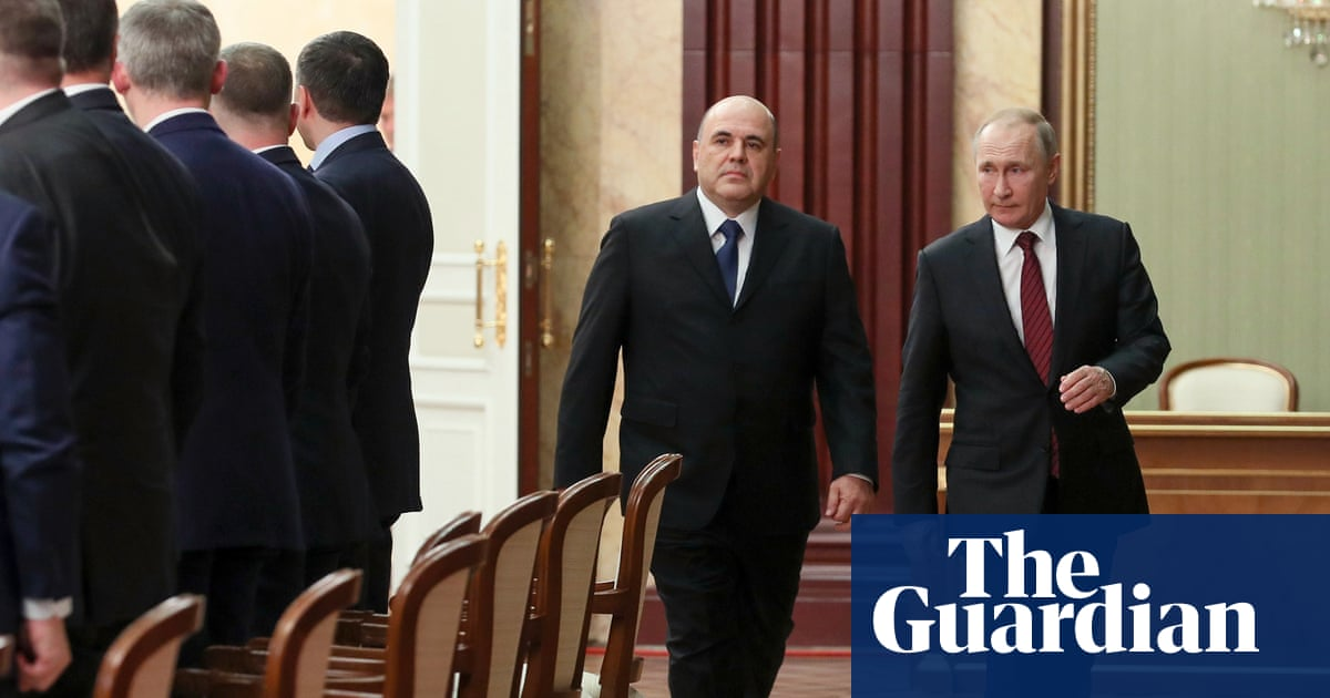 Top Russian ministers keep posts as Putin appoints new cabinet