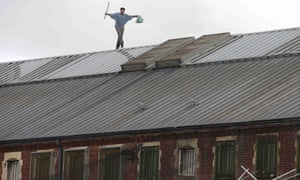A prisoner stages a protest on the roof of Strangeways, 2015