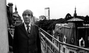 Jorge Luis Borges at his house in Buenos Aires, 1977.