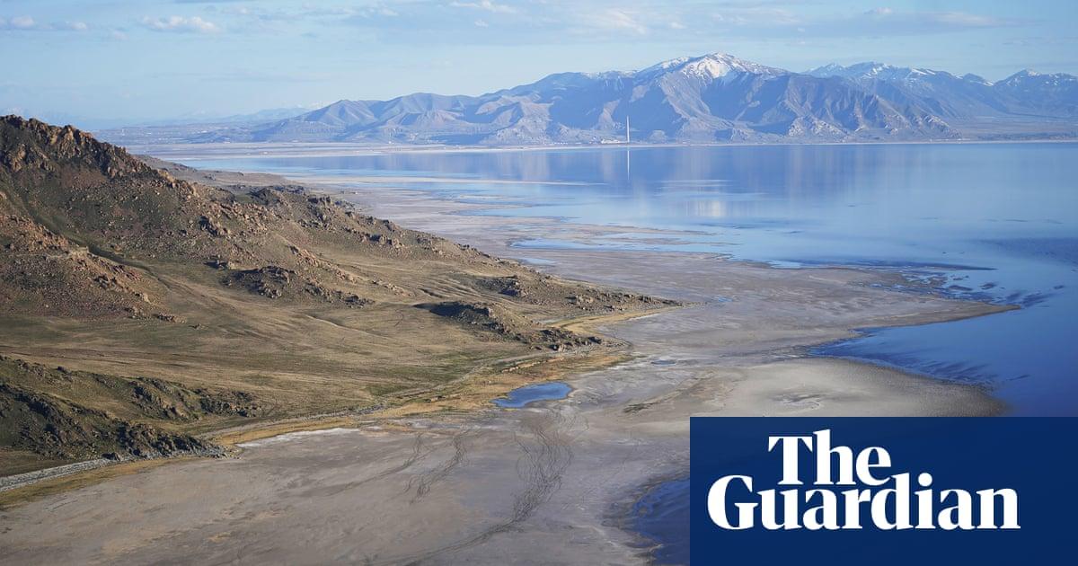 Water level in Utah's Great Salt Lake hits historic low