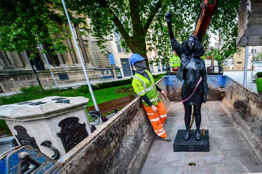 A Surge of Power is removed from the plinth and loaded onto a lorry.