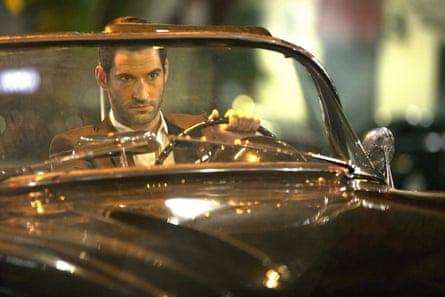 Tom Ellis in the first episode of Lucifer.